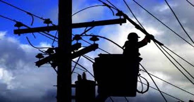 हिमाचल: ट्रांसफार्मर लाइन की मरम्मत कर रहा था बिजली कर्मी- करंट के जोरदार झटके ने पटका