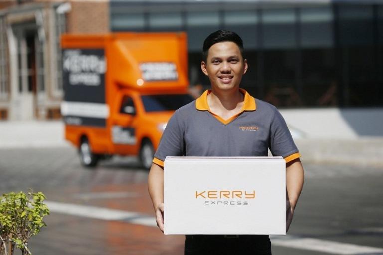 Nhân viên giao hàng tại KERRY EXPRESS