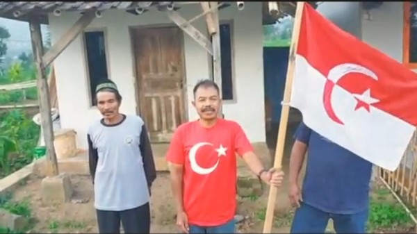 Polisi Selidiki Aksi 'Panglima Jenderal' Kibarkan Bendera NII di Garut