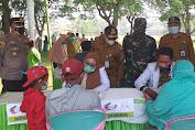 Cegah Covid-19, Gebyar Vaksin 2000 Dosis di Selenggarakan di Kecamatan Carenang