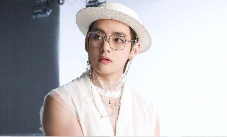 Agensi Bantah Rumor Kencan V BTS dengan Putri Presiden Paradise Group