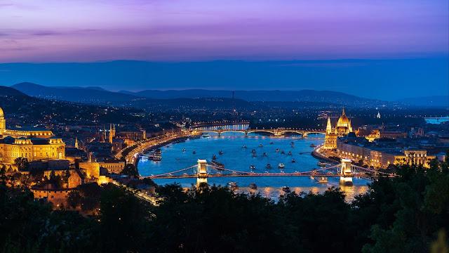 City landscape twilight wallpaper