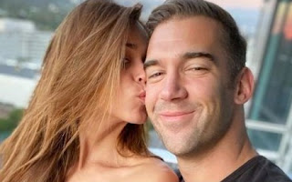 Picture of Lewis Howes kissed by ex-girlfriend Yanet Garcia