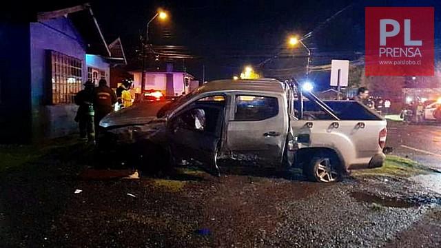 Violenta colisión vehicular de madrugada en Osorno