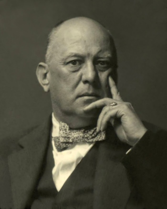 Aleister Crowley Net Worth, Income, Salary, Earnings, Biography, How much money make?