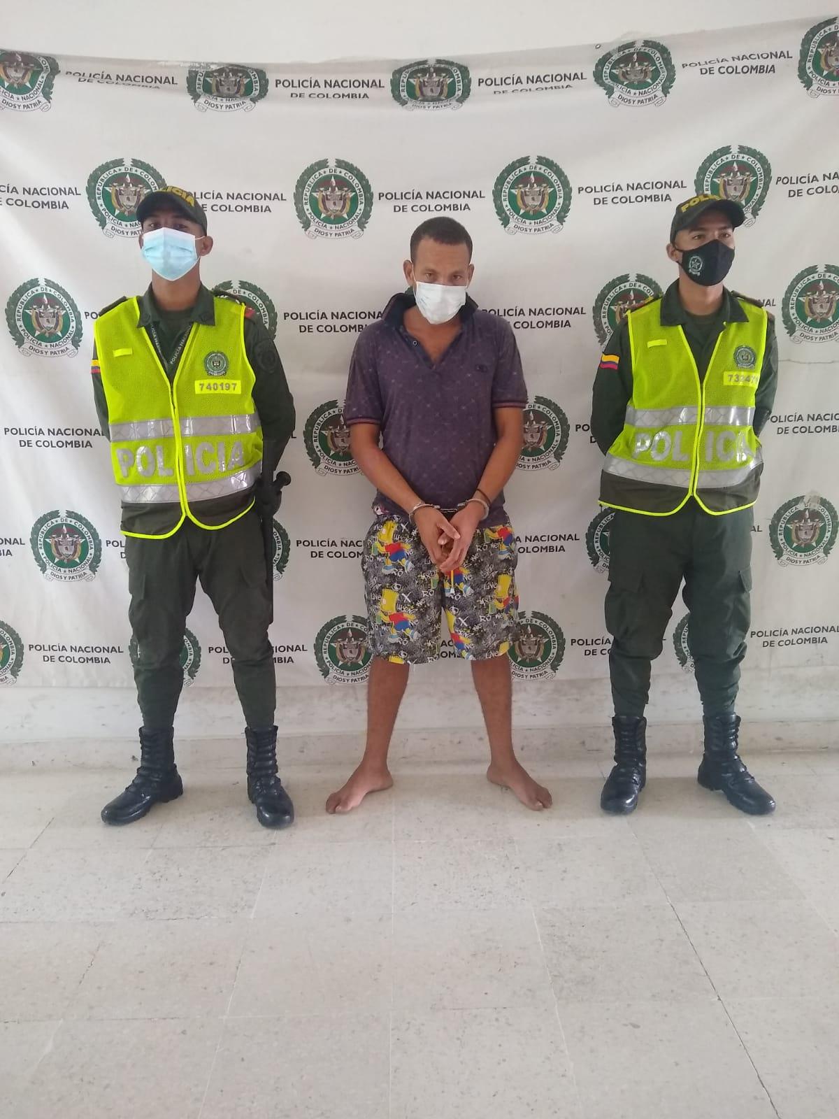 https://www.notasrosas.com/Policía Guajira captura dos personas en Riohacha, por hurto de celulares