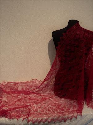 Rode sjaal voor bruid