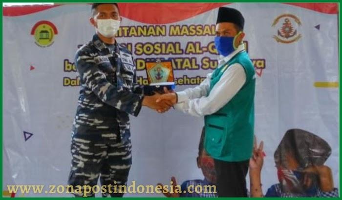 Satgas TNI Kodiklatal Bersama Yayasan Al-Qowi Adakan Khitanan Massal Gratis