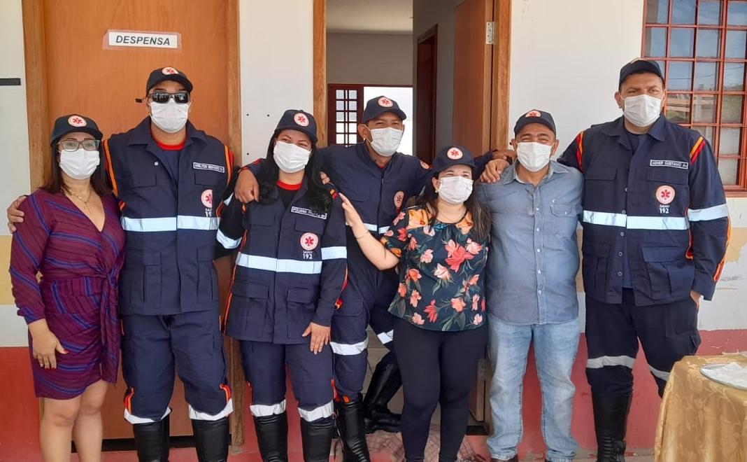 Prefeito Zezo Aragão faz entrega de novos uniformes para o Samu e Guarda Municipal, em Santa Rita de Cássia