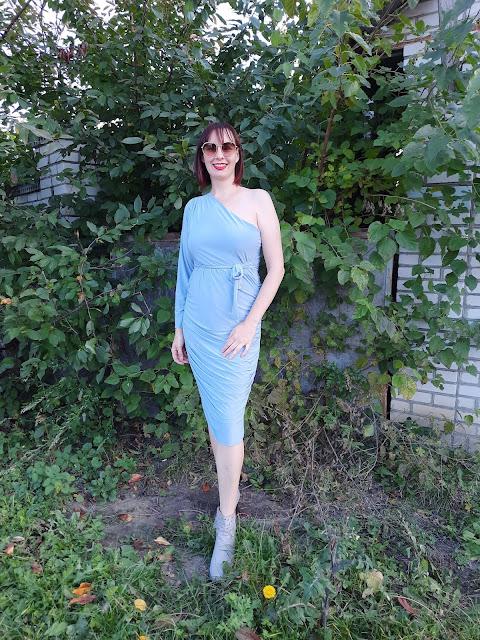 https://femmeluxe.co.uk/blue-one-shoulder-ruched-slinky-midi-dress-savannah