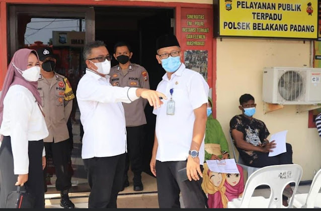 Tinjau Vaksinasi di Mapolsek Belakangpadang, Jefridin : Bulan November Vaksinasi di Batam Mencapai 100 %