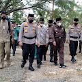 Didampingi Bupati Inhil, Kapolda Riau Serahkan 1500 Dosis Vaksin, Bansos dan Bantuan untuk Rumah Ibadah