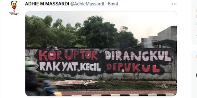 Mural Kritik Kembali Hidup, Adhie Massardi: Saatnya Pukul Koruptor!