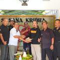 Pengukuhan ikatan Jurnalis Terate Nganjuk oleh ketua cabang nganjuk pusat Madiun