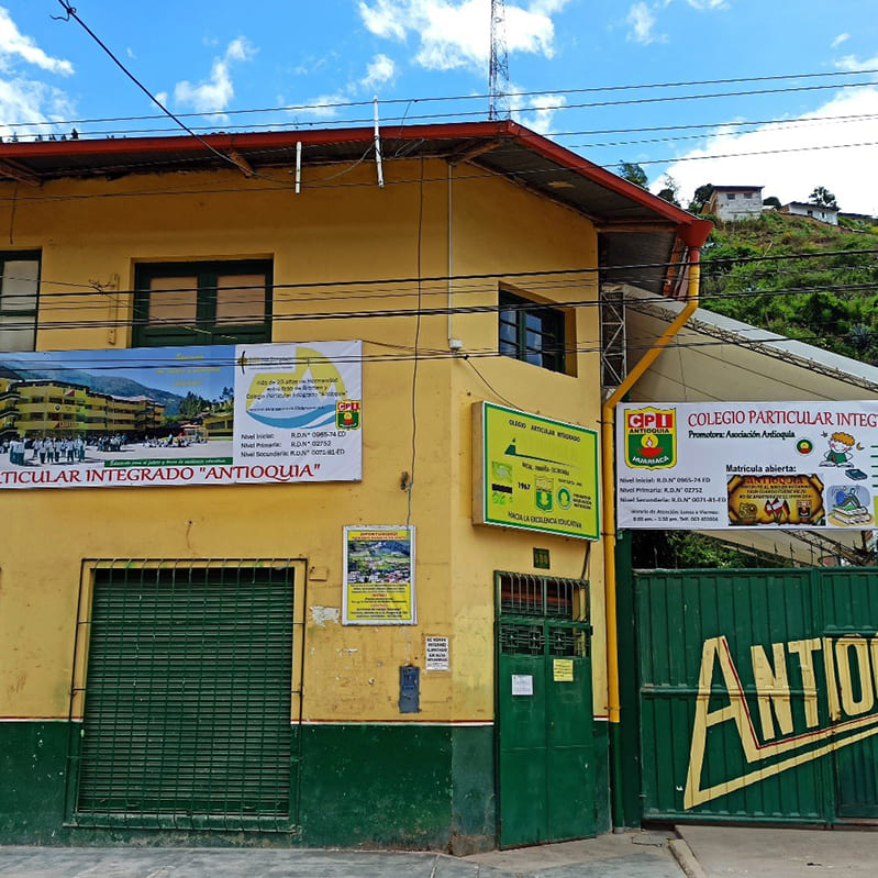 Escuela ANTIOQUIA - Huariaca