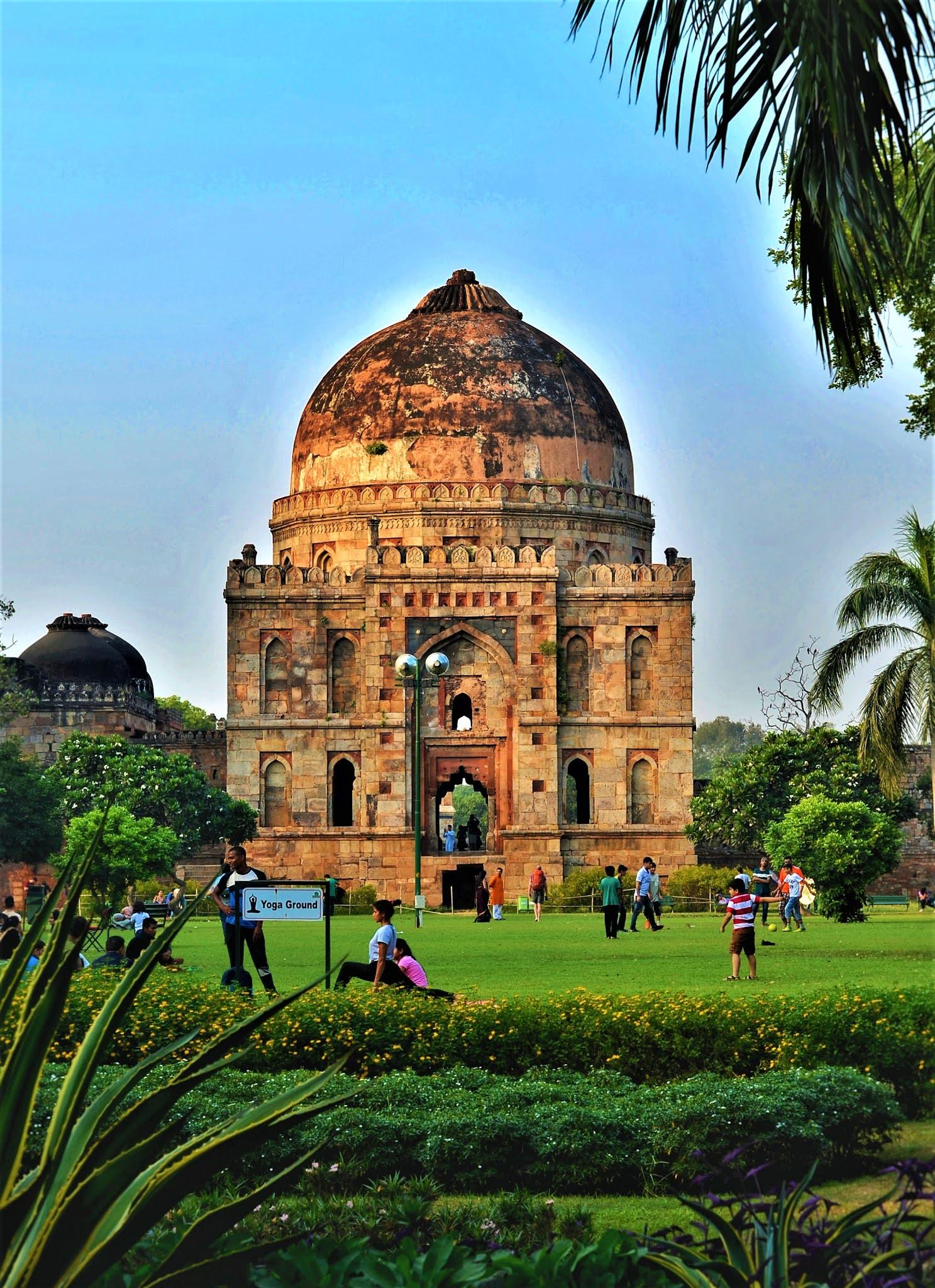 LODHI GARDENS Amazing places of Delhi