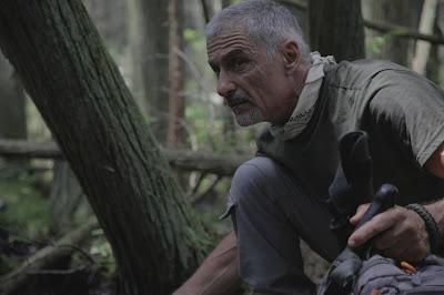 Cliff Simon em cena da série - Divulgação