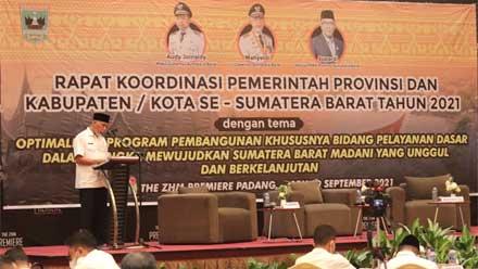 Rakor Gubernur Sumbar dengan Bupati dan Wali Kota