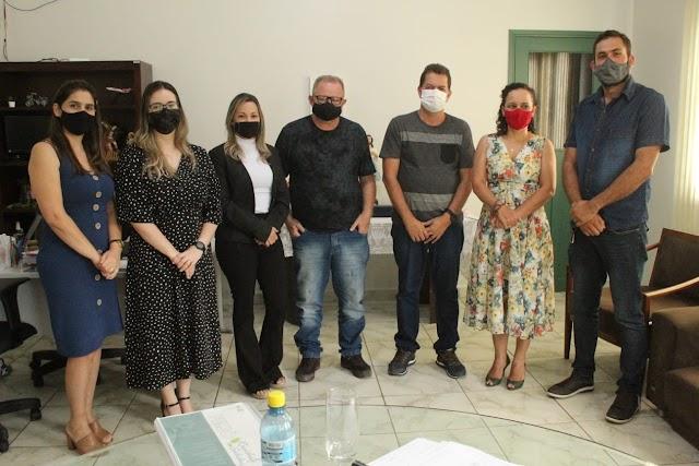 Prefeito Kiefer Cavalcante Visita Prefeita de Tarauacá Maria Lucinéia e discute instalação de aterro sanitário entre Feijó  e Tarauacá