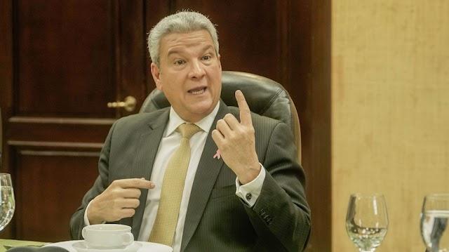 Ministro Macarrulla asegura no hay una definición sobre reforma fiscal
