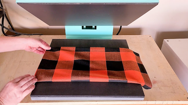 heat press basics, heat press, HTV, heat transfer vinyl, throw pillows