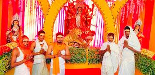 नवरात्र की सप्तमी को मंदिरों, पंडालों में भक्तों की लगी भीड़ | #NayaSaberaNetwork