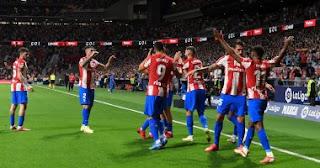 حقق أتلتيكو مدريد فوزا ثمينا على برشلونة الزائر بهدفين دون أن يسجل الاخير