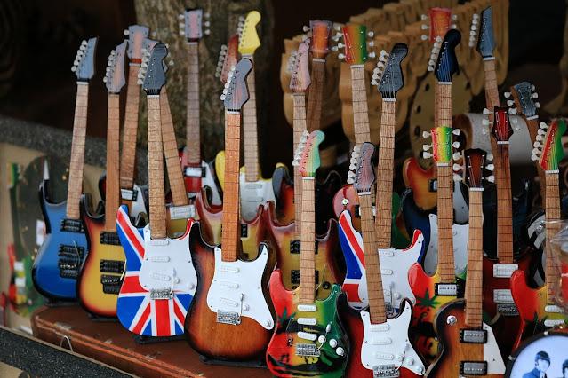 ¿Cuántas Guitarras Necesitas?