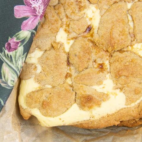 Cinnamon Bun Cream Cheese Cake