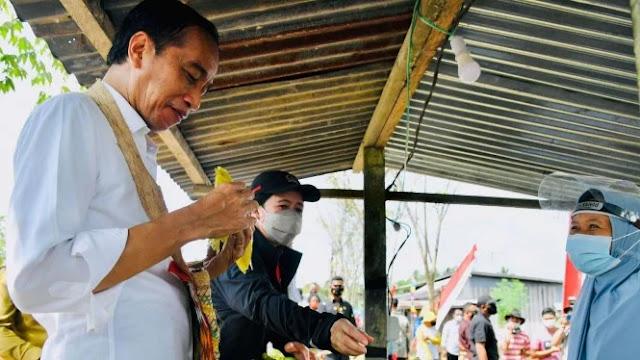 Jokowi Main Tebak-tebakan di Medsos, Netizen Jawab Apa?