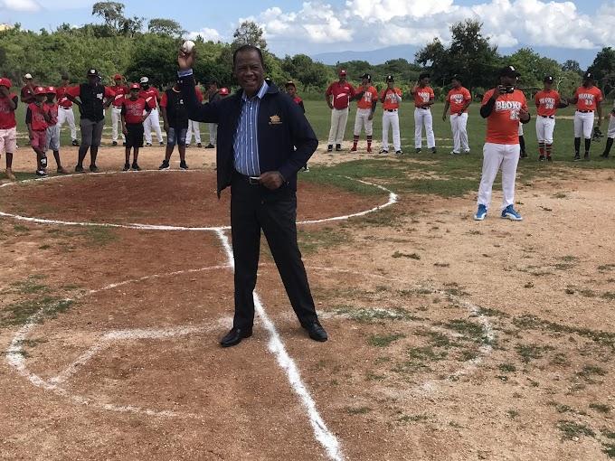 LA GUAZARA: Dan Inicio A Torneo Béisbol Amateur