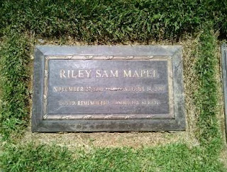 Picture of Riley Mapel's grave