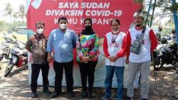Projo Purworejo Gelar 2000 Vaksin Dosis II di Pantai Jatimalang