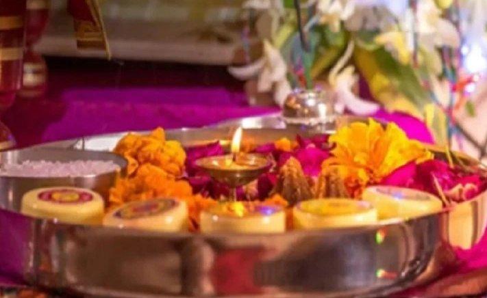 Important Puja tips: पूजा में क्यों जलाई जाती हैं अगरबत्ती-धूपबत्ती? जानिए कितना गहरा है भगवान से इसका संबंध