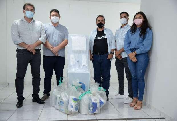 Prefeitura de Mojuí recebe doação de estações de lavagem de mãos e kits de higiene do Unicef
