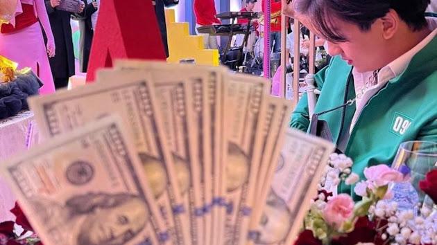 Foto Taqy Malik Pamer Uang Dollar di Acara Ultah Istri Juragan 99 Heboh, Netizen Salfok Penampakan Teman Dekat Ria Ricis: Kirain Oppa Korea
