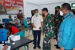 Pangdam Pattimura Bambang Ismawan Tinjau Serbuan Vaksin di Tanimbar