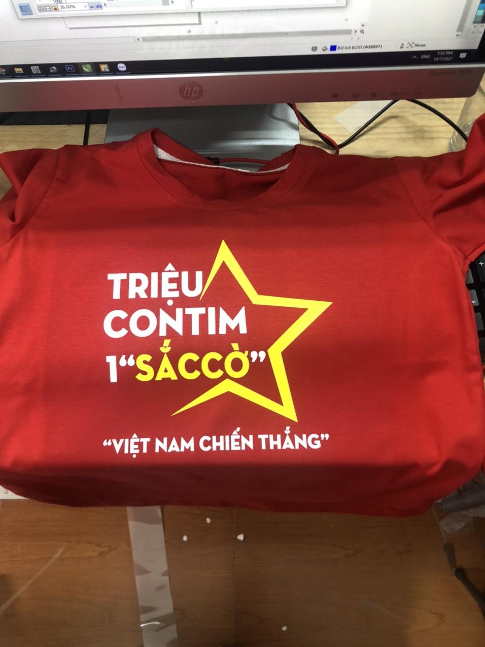 Áo phông cờ đỏ sang vàng - cổ vũ Việt Nam chiến Thắng