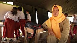 Tak Lama Lagi Satgas Akan Pergi, Guru SD Pembantu Jasa Kalian Akan Dikenang
