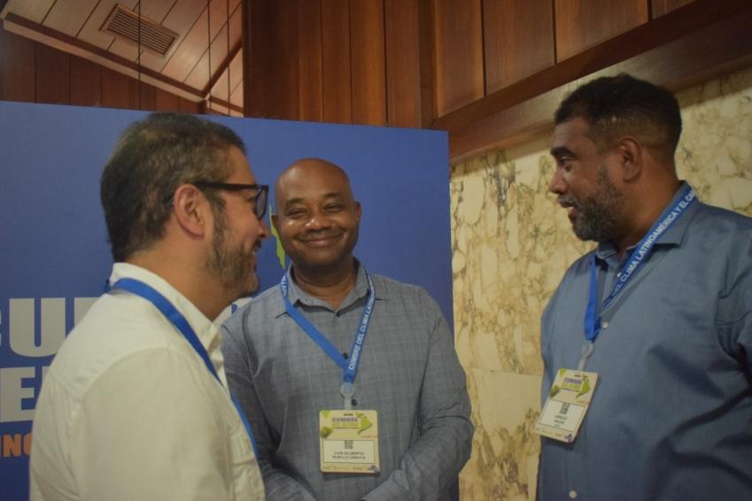 Los mercados de carbono son una alternativa para las comunidades en Colombia: Luis Gilberto Murillo