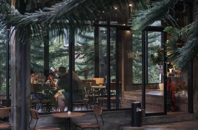 Menikmati Secangkir Kopi di Kaki Gunung Salak, Soekapi Coffee Tempatnya