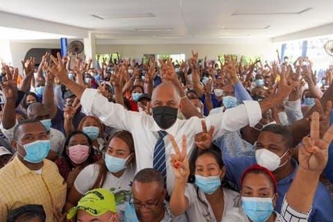 Eduardo Hidalgo se proclama vencedor en la ADP y líderes del PLD celebran