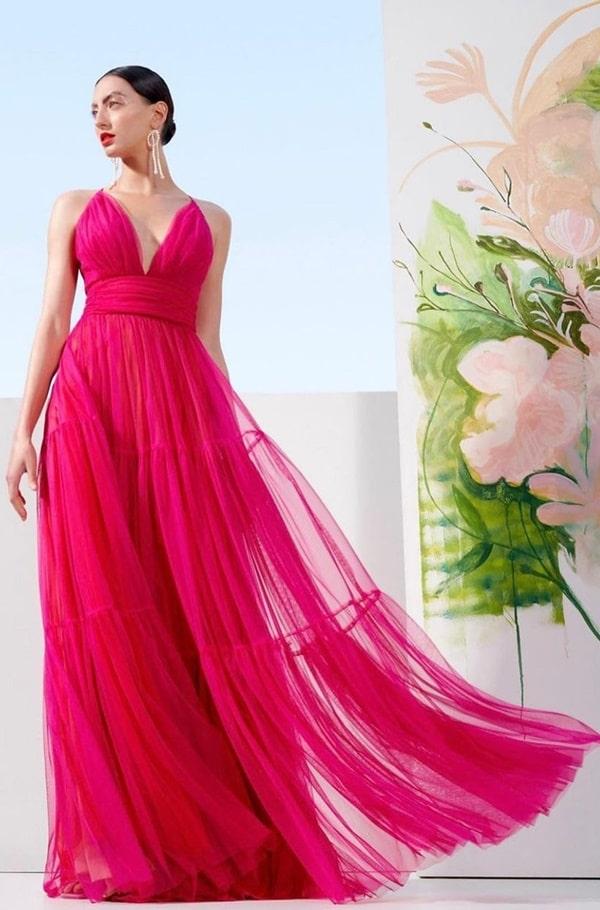 vestido longo pink para madrinha de casamento na praia
