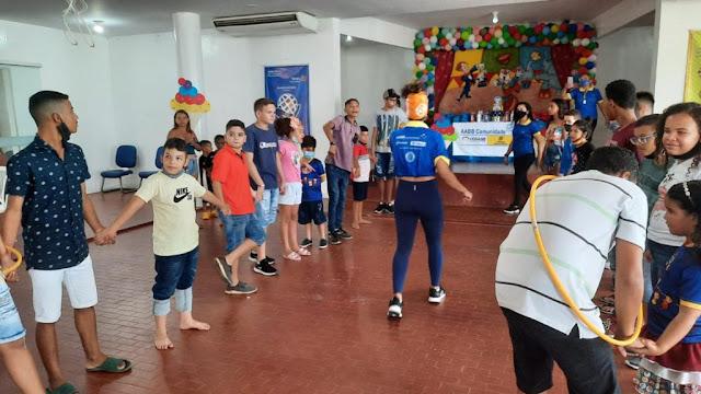 Rotary Club de Patos, Pastoral da Criança e do Projeto AABB Comunidade, Rotary Kids e Damas da Casa da Amizade realizaram uma festa para as crianças