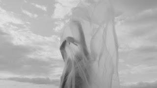 Χορεύετε;, βασισμένο στο αυτοβιογραφικό βιβλίο της Ολυμπίας Παπαδούκα «Γυναικείες φυλακές Αβέρωφ» από τον θίασο Αντάμα