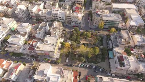 ΔΗΜΟΣ ΒΥΡΩΝΑ: Άρχισαν τα όργανα για την πλατεία Φατσέα