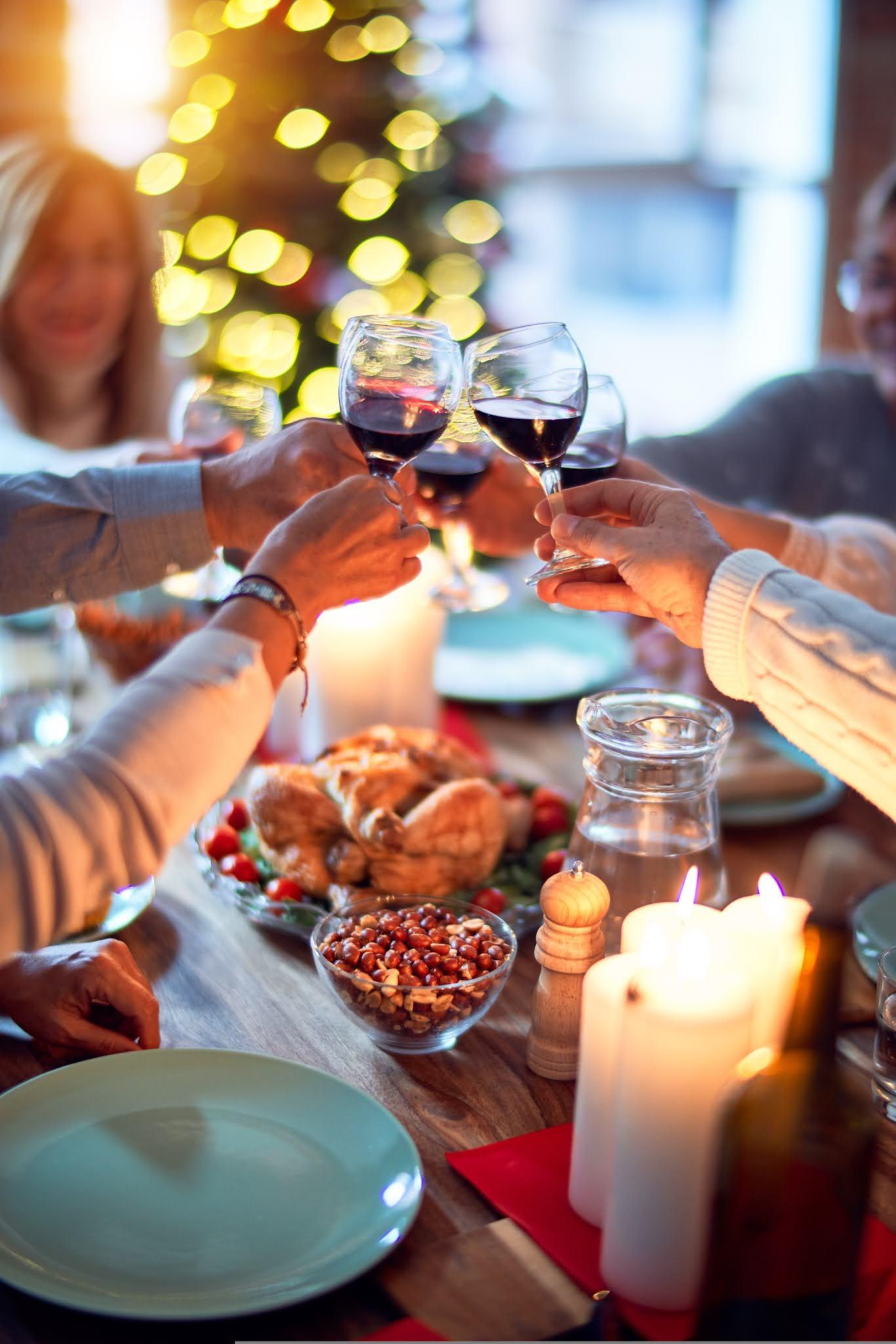 Wigilia firmowa - spotkanie świąteczne stacjonarnie i online - Fabryka Atrakcji