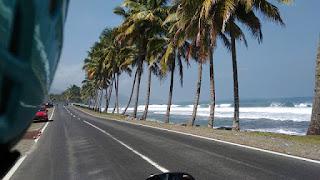 Keindahan Pantai Krui Lampung