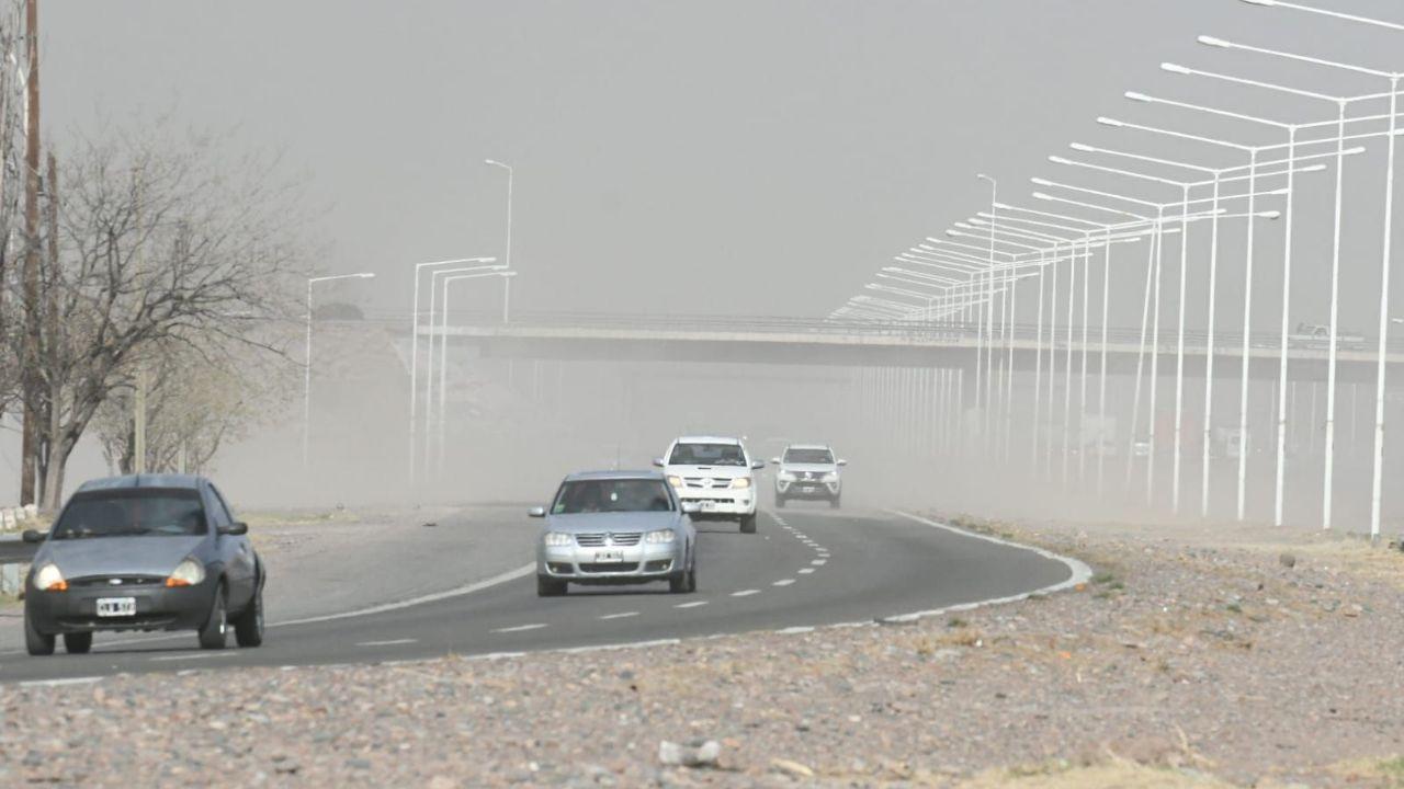 Emiten una advertencia naranja por situación de viento zonda en Mendoza