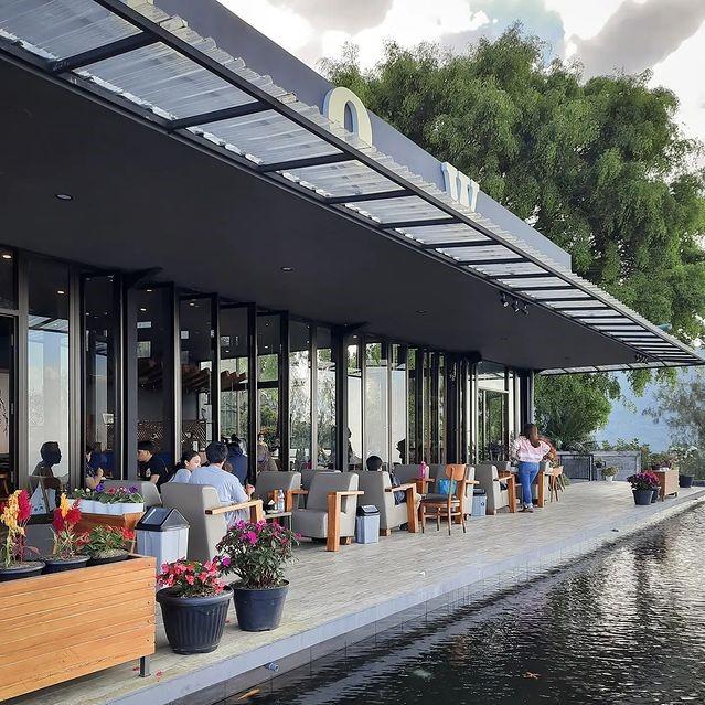Lokasi dan Harga Menu Flow Cafe and Eatery Kopeng Semarang